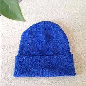 Accessories - Blue knit beanie